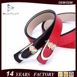 Commerce de gros Fashion véritable des femmes en cuir rouge Métal 3D les courroies de boucle
