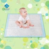 couches-culottes molles de bébé de soin d'absorptivité plus rapide d'utilisation d'hôpital de 60*90cm avec l'emballage privé