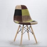 플라스틱 덧대어깁기 의자 모형 및 가격