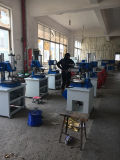 Presse à emboutir de clinquant chaud bon marché des plastiques Tam-320 pour le caoutchouc, plastiques, cuir, bois