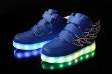 Los zapatos LED recargable de la venta al por mayor se encienden para arriba embroman los zapatos