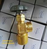 Válvulas do cilindro de gás do acetileno dissolvido