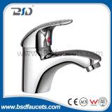 Faucet раковины держателя стены крома однорычажной оптовой цены латунный