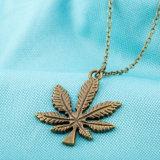 열등한 작풍 잎 모양 펀던트 여자 형식 목걸이