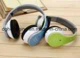 In het groot Nieuwe Stereo-installatie die de Stereo Draadloze Hoofdtelefoon Bluetooth van Sporten met Microfoon vouwen