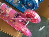 Zwei Räder, die Kind-Stoß-Roller mit zwei Fuß Presse-Pedal-Roller-falten