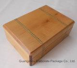 Rectángulo de madera natural del reloj y de joyería