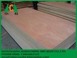 La madera contrachapada hecha en China