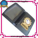Ha annunciato il distintivo della polizia del metallo con il raccoglitore per il regalo del distintivo dell'esercito