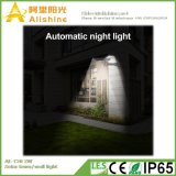 2W refroidissent la lumière solaire blanche de mur de pelouse de 20PCS DEL avec le contrôle léger et l'admission de PIR