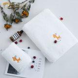 100 coton Petite serviette de toilette Petite serviette pour cadeau souvenir serviette avec logo (JRAC032)