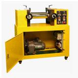 L'équipement utilisé deux rouleaux en caoutchouc en plastique de laboratoire Mill Machine