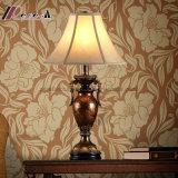 Lámpara de vector clásica de cobre amarillo del metal moderno para el contador de la recepción