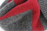 Шлемы Beanie шерстей людей и комплекты Neckerchief связанные зимой