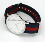 Het hete Horloge van de Band van het Roestvrij staal van Sporten Slanke Nylon voor de Vrouw van de Man