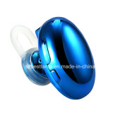 Le cuffie di Bluetooth, mini trasduttori auricolari stereo di Earbuds della radio 4.1, assicurano la misura per gli sport con il Mic incorporato