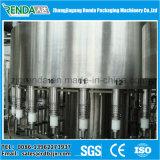Máquina de enchimento e vedação de garrafas de água