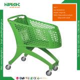 Plein chariot en plastique à caddie de supermarché d'épicerie