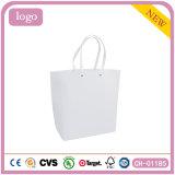 Elegante blanco hermosa ropa decente bolsa de papel