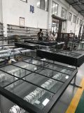 Puerta deslizante de aluminio blanca del vidrio Tempered del doble del color con las barras