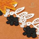 Garniture de frange de lacet de gland pour des vêtements comprenant la couleur noire et blanche