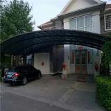 Carports di alluminio curvi di colore bianco di disegno del tetto con il coperchio dello strato del policarbonato