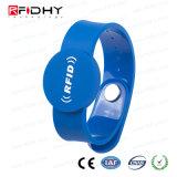 Wristband do PVC RFID da impressão 125kHz da tela de seda com microplaqueta de Hitag