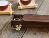 Pequeño rectángulo de madera de desplazamiento del té de la nuez de la insignia de encargo con el imán para el recorrido