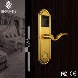 Funciona con pilas de tipo Euro moderno el cilindro de cerradura de puerta del hotel