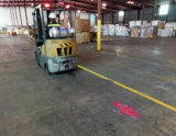 安全物品取扱いのトラックのための働くフォークリフト青いライト