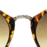 2017のブランドの製造業者の金属の寺院の男女兼用のサングラスの習慣のロゴ