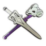 Pin del risvolto della spada del metallo dell'OEM con lo smalto di scintillio (xd-081)