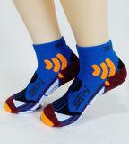Для использования вне помещений Спортивные носки сжатия в поход носки