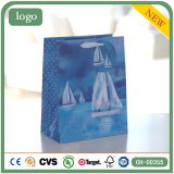 De witte Zak van het Document van de Gift van de Kleding van het Ornament van de Zeilboot Blauwe
