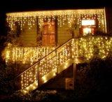 La cadena del árbol de navidad enciende las luces del carámbano del LED, construyendo luces de la decoración
