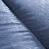 割引ポリエステル詰物が付いている3Dによって浮彫りにされる極度の柔らかい羽毛布団のキルト