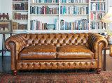(Dp-6008) Chetersfield moderno sofá de couro de madeira para mobiliário de hotel
