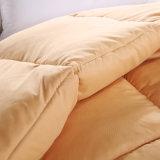 慰める人のアヒルの羽のキルトのアヒルの印刷されるホームホテル羽毛布団の下で