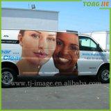 Las expresiones de carácter impermeabilizan la etiqueta engomada del coche del PVC