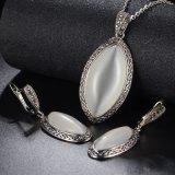 Insieme di pietra di cristallo dei monili di vendita del punto di colore caldo dell'argento grande