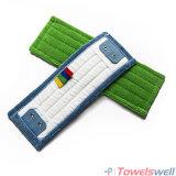 Grünes Microfiber, das flach nassen Mopp mit Tasche scheuert