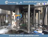 Plein d'équipements d'emballage de remplissage d'eau automatique