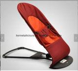 赤ん坊が付いている赤ん坊のバランスの揺れるか、または振動椅子