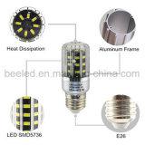 A luz E26 5W do milho do diodo emissor de luz refrigera a lâmpada de prata branca do bulbo do diodo emissor de luz do corpo da cor