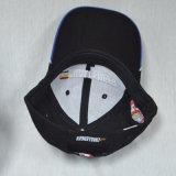 Gorra de béisbol del algodón de los paneles del negro 6 de la protección de los deportes con el bordado 3D