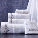 Toalhas de banho de algodão macio de cor branca Hand-Feeling Hotel Bordados Toalhas