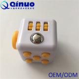 Игрушки подарка фокуса терапией сброса усилия тревожности кубика непоседы ABS