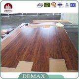 Plancher en bois imperméable à l'eau de vinyle de modèle