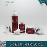 Bottiglie di vetro cosmetiche delle protezioni acriliche e spruzzatura cosmetica di colore rosso dei vasi di vetro