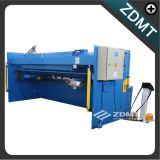 Máquina que pela hidráulica del CNC
